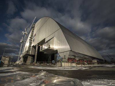 Image of Bechtel-led confinement arch completed over Chernobyl Unit 4 site
