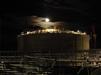 Bechtel Puts LNG Tanks to the Test on Curtis Island Projects