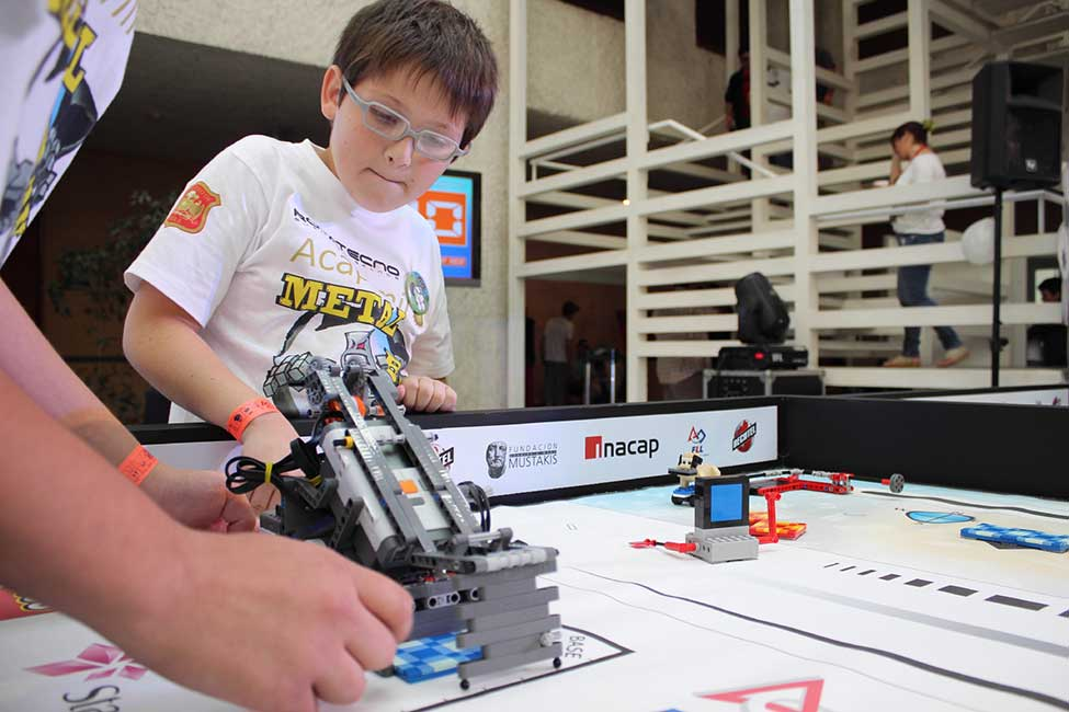 Bechtel-Sponsored Teams Compete in First® Robotics World Championship