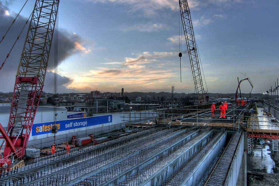 At Reading, Bechtel and Network Rail safely compressed 40 days of track, signaling and station upgrade work into just 10 days